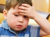 Ребенок жалуется на головную боль. В чем причина?